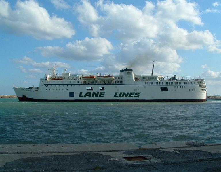 In nave verso Karpathos