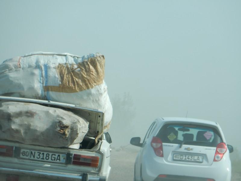La strada polverosa verso Bukhara